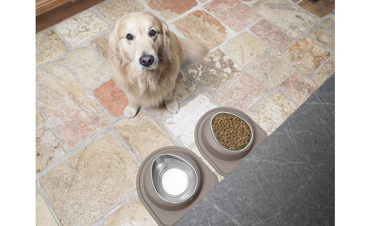 WeatherTech Single Low Pet Feeding System Ergonomically designed bowl provides strain-free access to food or water