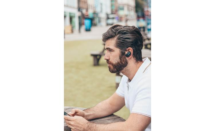 Bose QuietComfort® Earbuds Music plays wirelessly via Bluetooth