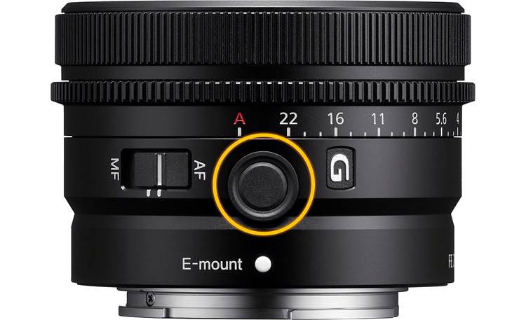 Sony FE 24 mm f/2.8 G Customizable focus hold button