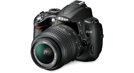 Nikon D5000 Kit 12.3-megapixel digital SLR camera with 18-55mm image-stabilizing lens