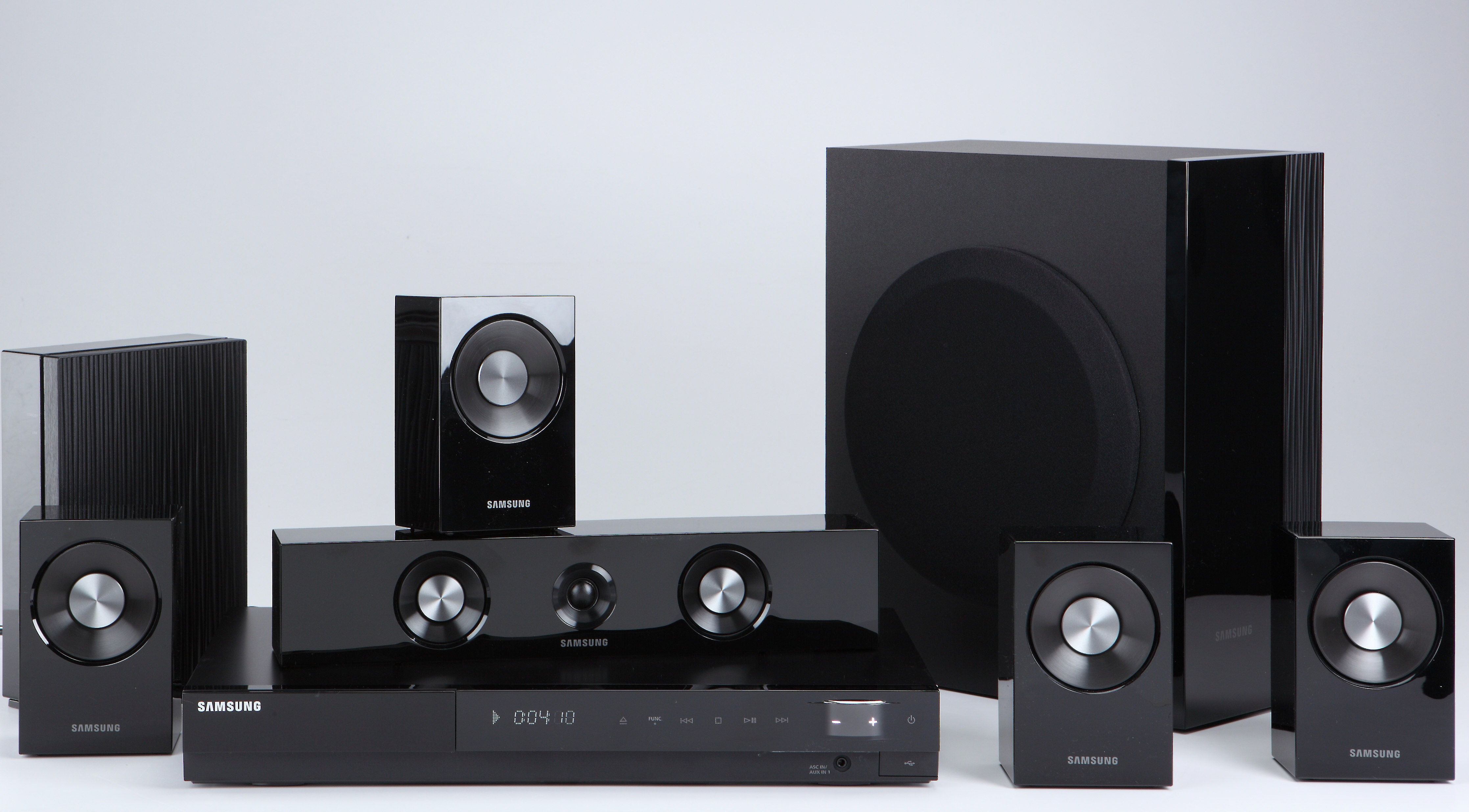 Samsung HT-C9W DVD home theater system with iPod® dock and wireless rear  speakers at Crutchfield