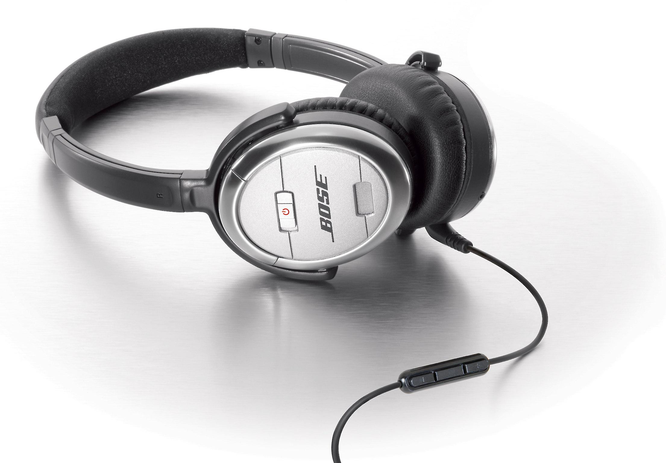 3d211864c24 Bose® QuietComfort® 3 Acoustic Noise Cancelling® headphones at Crutchfield