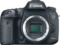 Canon EOS 7D Mark II Body Only, 20.2MP, 10fps,  HD, 65 po...